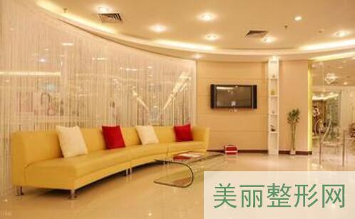 上海耳软骨垫鼻尖哪家整形医院好
