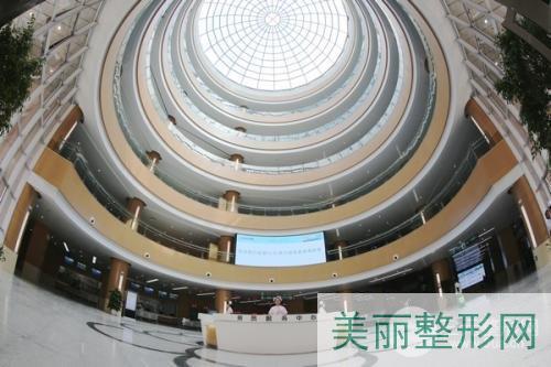武汉中心医院美容科怎么样?口碑、医生、项目大全
