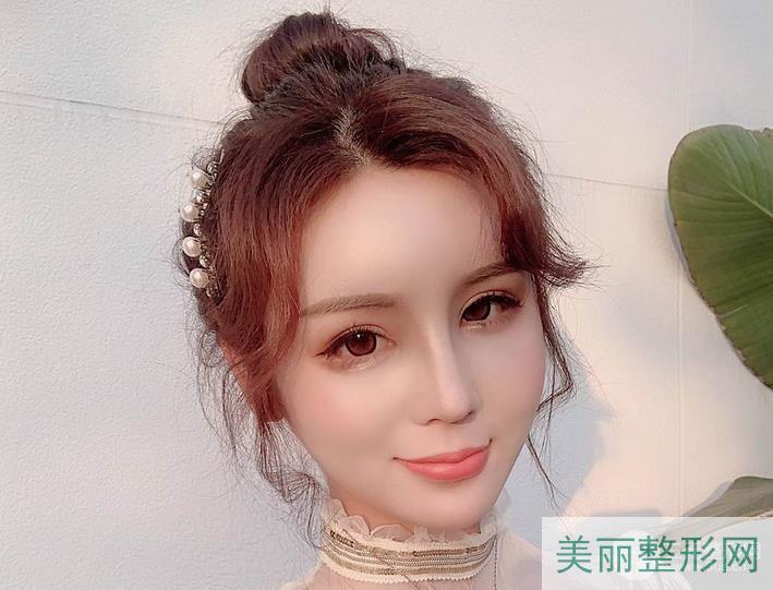 长沙湘雅割双眼皮案例+医生列表