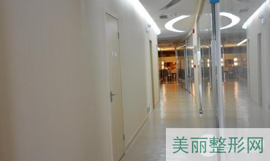 深圳广和整形张占营植发