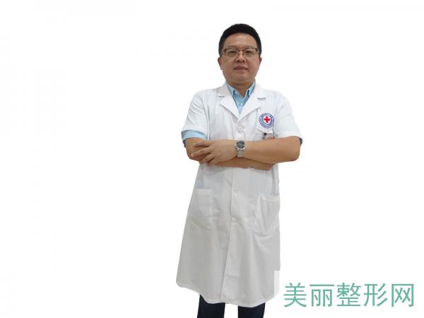 南昌市第十二医院植发科蔡长青