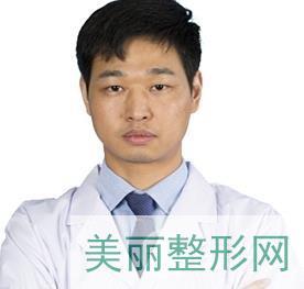 深圳雍禾植发周龙飞