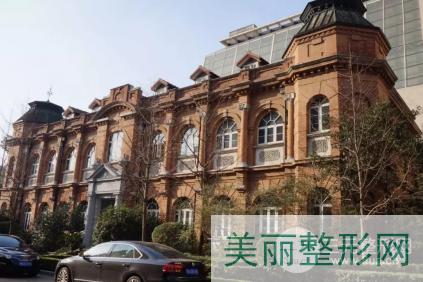上海华山医院杨君毅双眼皮案例